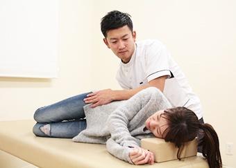 産後骨盤矯正の施術方法4