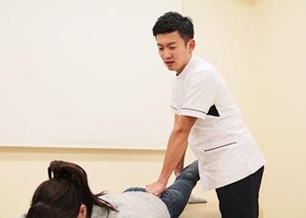 産後骨盤矯正の施術方法5